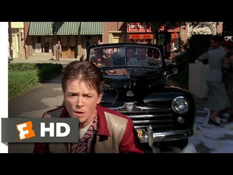 Back to the Future (7/10) Movie CLIP - Skateboard Chase (1985) HD (видео)