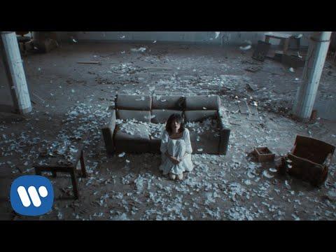 Em Đừng Khóc - Chillies (Official Music Video)