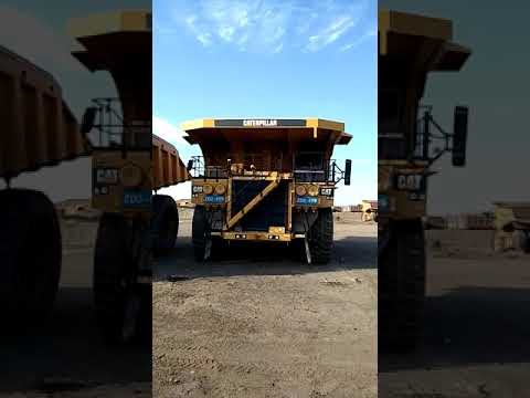 CATERPILLAR OFF HIGHWAY TRUCKS 793D equipment video zZishMKjJ14