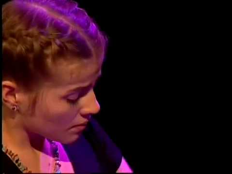 play video:Valentina Tóth treedt op tijdens PINC 2009