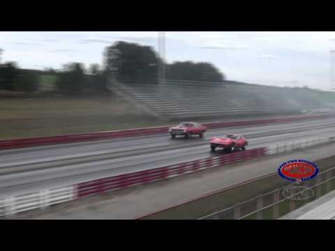 Hemmings 1969 Corvette L88 vs. 1970 Hemi Cuda