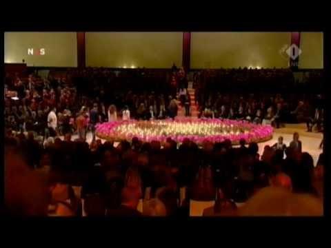 Koningspaar diep geraakt door herdenking MH17