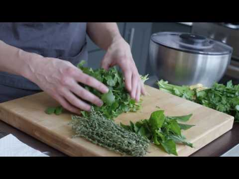 How To Store Herbs Such As Thyme, Parsley, Rosemary And Basil