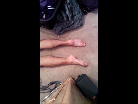HOT 20 year old male feet WHILE MASTERBATING!