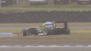 Rodrigo Baptista spins in race 3 at Ruapuna of the 2016 New Zealand Toyota Racing Series