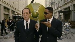 "Men In Black III - ""Look Right Here"" - Movie Clip"