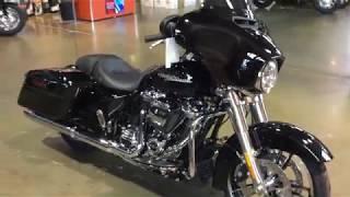 10. 2019 Harley-Davidson FLHX Street Glide