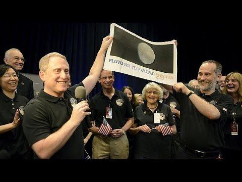 Επιτυχές του πέρασμα του New Horizons δίπλα από τον Πλούτωνα