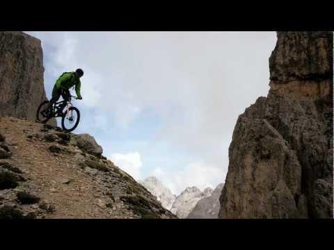 mountainbike extreme - colin stewart sulle dolomiti