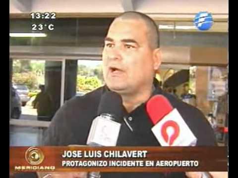 Chilavert, a los golpes en un aeropuerto