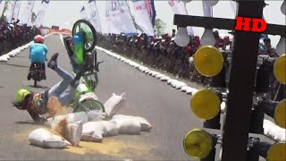 Video Detik Detik Joki Cewek VITA REMBET TERJATUH Class Bracket 9 Detik Brebes Drag Bike Seri 1 MP3, 3GP, MP4, WEBM, AVI, FLV April 2017