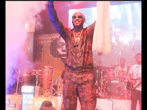 Tuface idibia's Sings His Hit Song 'AMAKA' At Felabration 2018 As Crowd Goes Gaga