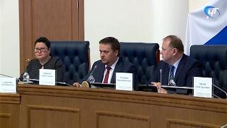 В Правительстве региона официально был представлен врио губернатора Новгородской области Андрей Никитин