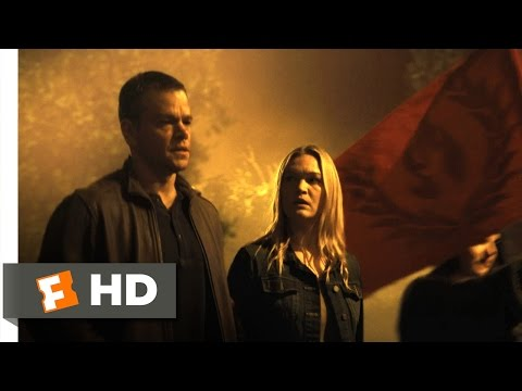 Jason Bourne - Riot Chase Scene (2/10) | Movieclips