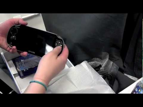 0 PS Vita: Unboxing Sonys sexy new handheld