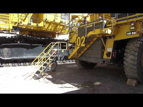 Power Step's Access Systems for Komatsu