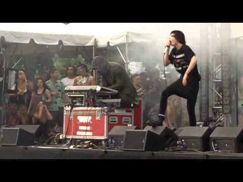 Crystal Castles - Crimewave - Lollapalooza - Aug 5 2011 - Chicago