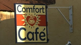 Smithville (TX) United States  city photo : Comfort Cafe (Texas Country Reporter)