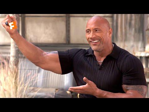 Dwayne Johnson Explains the Importance of the Samoan Siva Tau Ritual | 'Hobbs & Shaw' Cast Interview