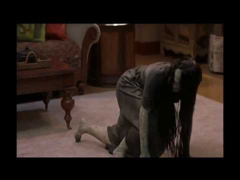 scary movie 3 brendas house, cindy the tvs leaking, brenda vs tabetha whitee down the well