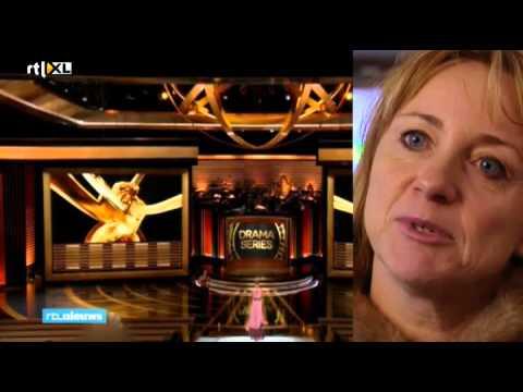 Actrice Krijgsman eert vluchtelingen met Emmy Award