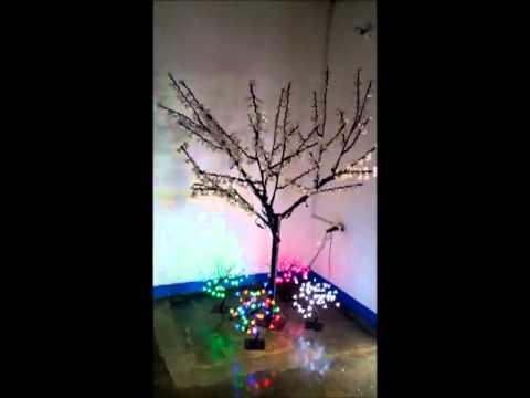 Decoracion arboles secos videos videos relacionados - Arbol de navidad hecho de luces ...