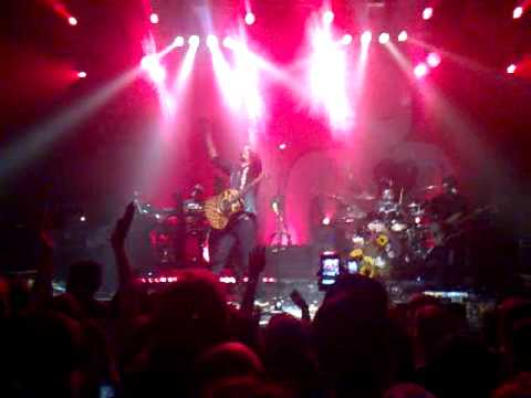 Michael Franti & Spearhead - Hey Hey Hey (part2)  (Live @ Terminal 5 - 10/28/2010)