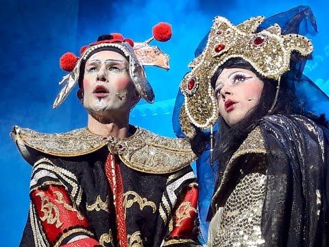 Umberto Scida nel fantastico mondo dell'operetta con il trolley di Cin Cin La