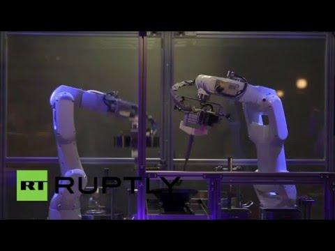 В Китае робот готовит макароны за 90 секунд