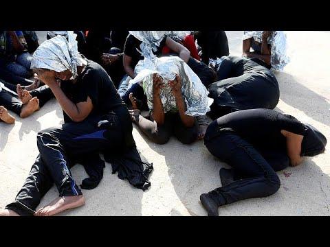 Libyen: Küstenwache rettet Hunderte Migranten aus dem Mittelmeer