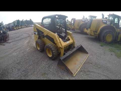 CATERPILLAR MINICARGADORAS 236D equipment video zfIAwSnTM3Q