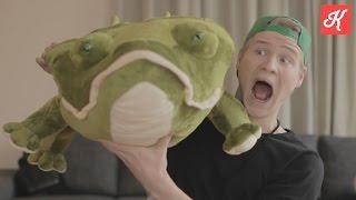 REUZE-KROKODILLEN AANVAL! - YouTube