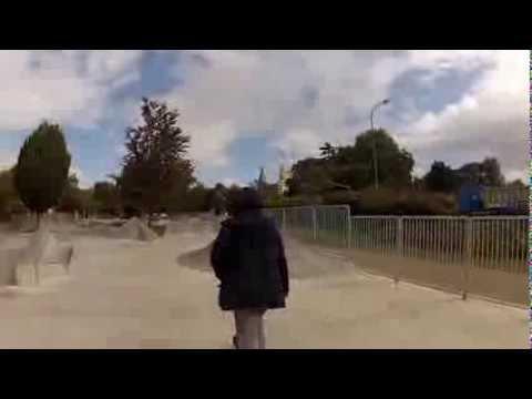 BaBa essai Bustin Yo'face B.Day Board au skatepark de Poissy