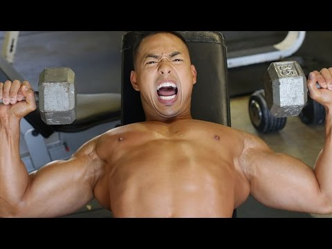 Mike trains Crazy on chest day – E.R.O.M Training