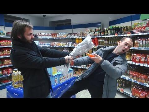 Хрюши против - ночь в магазине (видео)