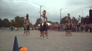 The team performs their routine at the Norfolk County Fair for Young Canada Day! An amazing squad made up of mostly new members pulls out a 2nd place finish and really excites their crowd!!