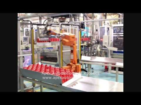 APEX Robot packing plastic bottles