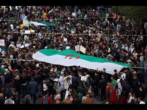 Algerien: Tausende feiern Bouteflika-Rückzug