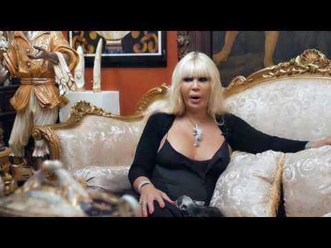 Video - Βανέσσα Pomponi: Λένε πως είναι η πλουσιότερη Κύπρια στον κόσμο - Aπολαύστε την...