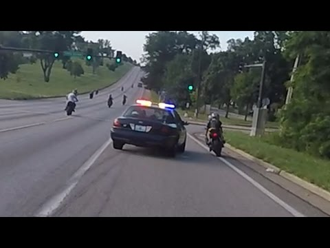 Download Motorcycle VS Cops Chasing Bikers Swerves At Stunt Bikes Police Chase Street Bike Runs From Cop 2016 HD Mp4 3GP Video and MP3