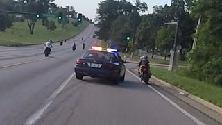 Video Motorcycle VS Cops Chasing Bikers Swerves At Stunt Bikes Police Chase Street Bike Runs From Cop 2016 MP3, 3GP, MP4, WEBM, AVI, FLV Agustus 2017