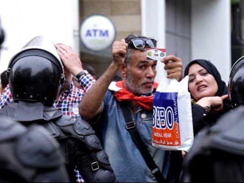 رقص ومهرجانات و«إشارات ذبح» تحاصر «الصحفيين» أمام نقابتهم