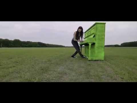 Tekst piosenki Sylwia Grzeszczak - Pożyczony po polsku