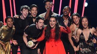 Video 13 Reasons Why Cast Celebrates Season 2 Renewal at 2017 MTV Movie & TV Awards MP3, 3GP, MP4, WEBM, AVI, FLV Mei 2017