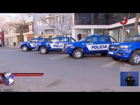 Entregaron móviles policiales