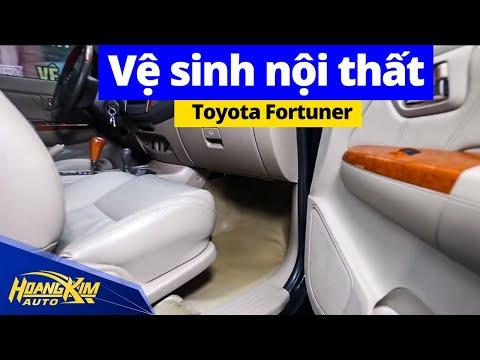 Vệ Sinh Nội Thất Toyota Fortuner