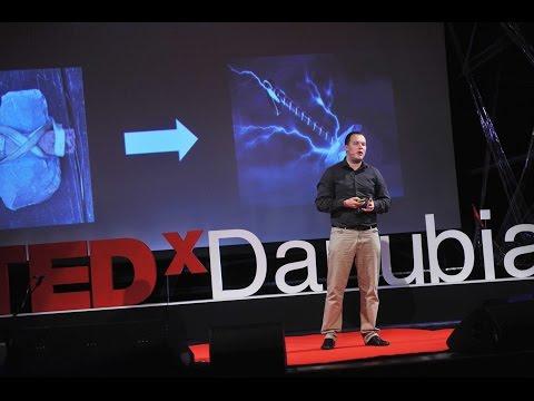Használati útmutató antibaktériumokhoz | Ákos M.Lőrincz | TEDxDanubia 2016