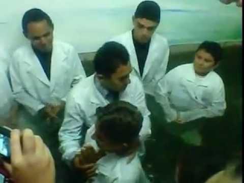 Batisto nas Aguas da Assembleia de Deus de Aguiar.3gp