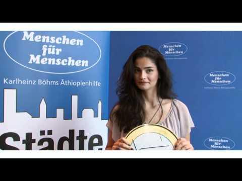 Shermine Shahrivar - Model, Schauspielerin und Städtewettenunterstützer