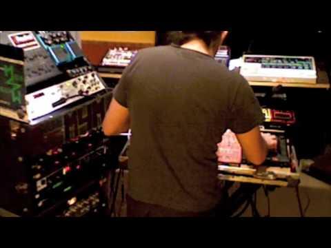 1/4 - Muzik 4 Machines Live @ Pi Jan 1st 2009 minimal electro house 2009